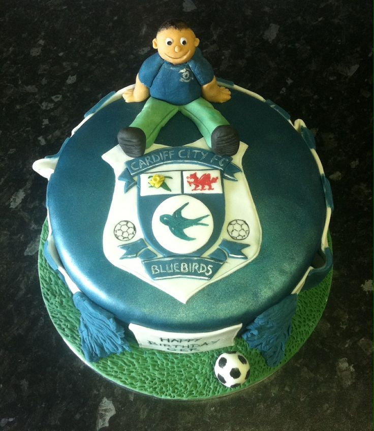 Cake Design Cardiff : Cardiff City cake Cakes by moi! Pinterest