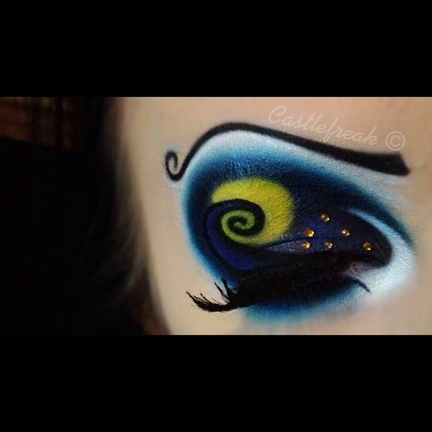 The Nightmare Before Christmas' inspired artistic eye shadow with a ...