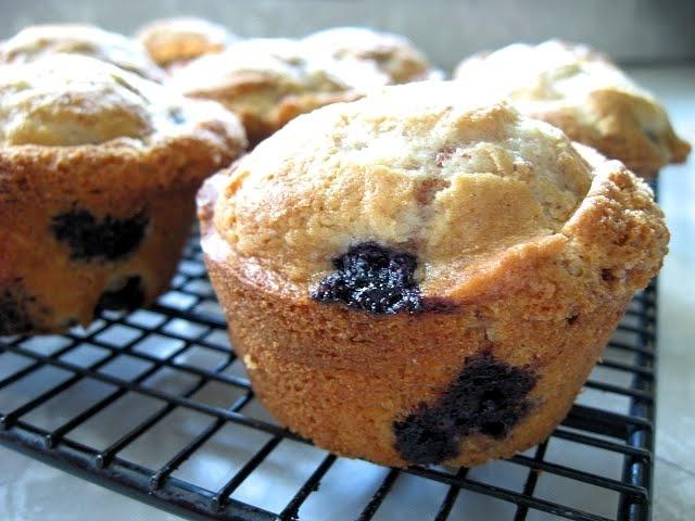 Blueberry Cinnamon Crunch Muffins | Muffins, Breads & Loafs | Pintere ...