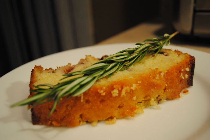 fresh fig and polenta cake with honey and rosemary