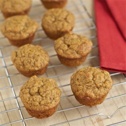 Maple Pumpkin Mini Muffins: an easy, healthy breakfast or afternoon ...