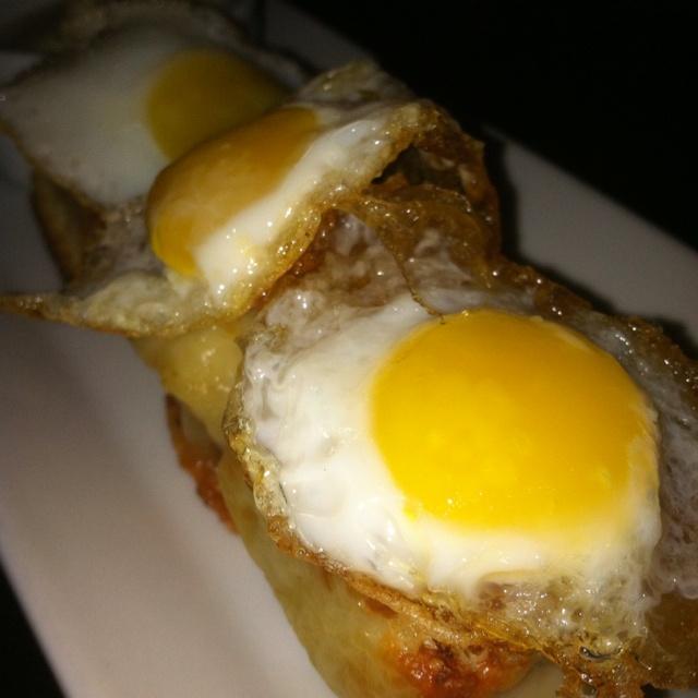 Mini Croque Madame w/ Fried Quail Eggs | grubbin | Pinterest