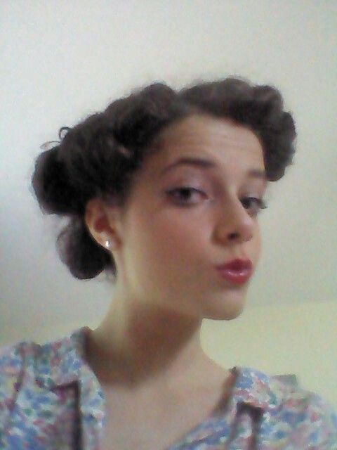 Simple 1940s hair and makeup vintage fashion pinterest