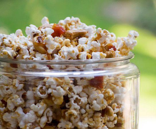 Bacon-Cashew Popcorn