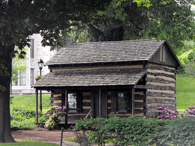 Log cabin like the porch log cabins pinterest for Log cabin portici e ponti