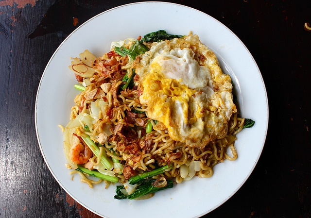 Mie Goreng - Indonesian Fried Noodles w/ Sunny Side Egg on top