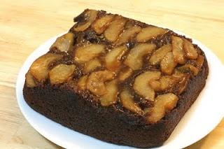 vegan apple gingerbread upside-down cake | You're My Cuppycake, Vegan ...