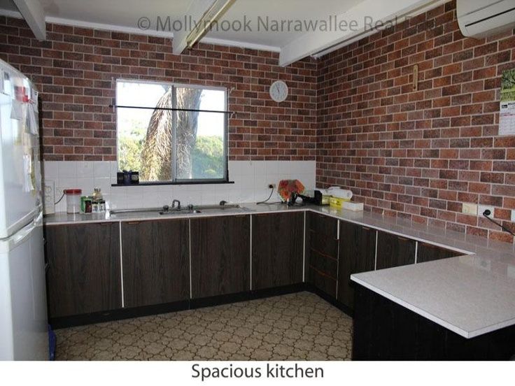 Kitchen with faux brick wallpaper diy ideas pinterest for Brick wallpaper ideas for kitchen
