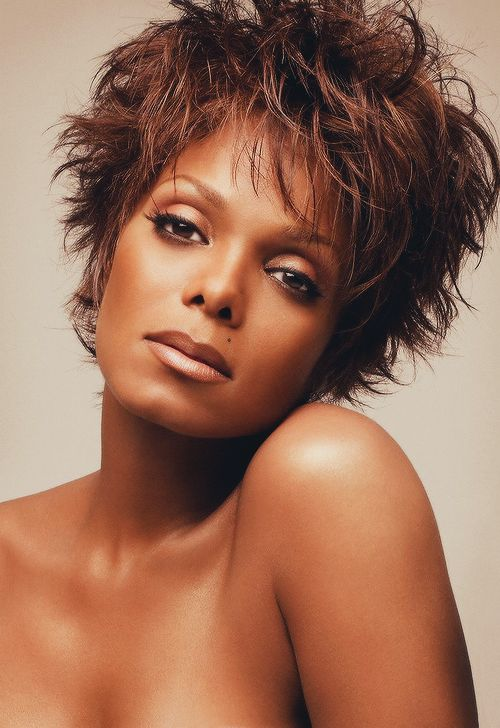 Short Hairstyles For Oblong Shape Faces
