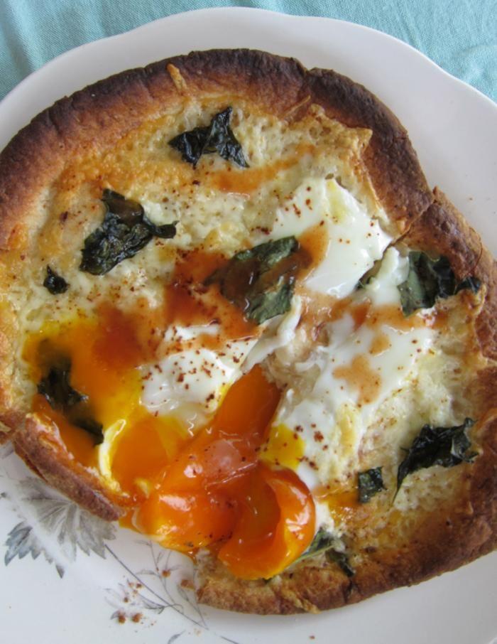 Egg Pita Pizza