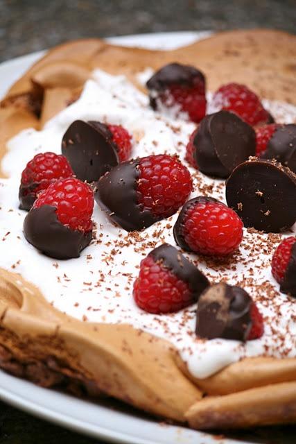 chocolate pavlova | Recipes I want to try | Pinterest