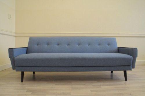 original button backed day bed sofa retro 50s 60s 70s deco. Black Bedroom Furniture Sets. Home Design Ideas
