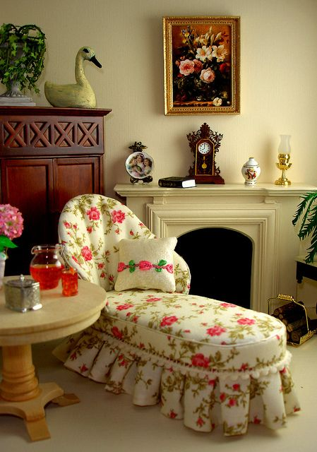 Shabby Chic Chaise by Peach Blossom Hill, via Flickr