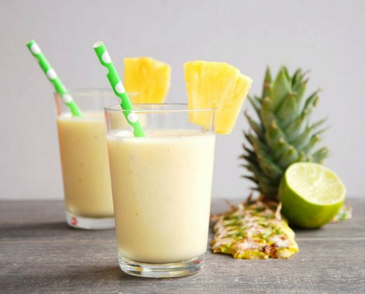 Pineapple Smoothie (Pineapple, Greek yogurt, agave syrup)