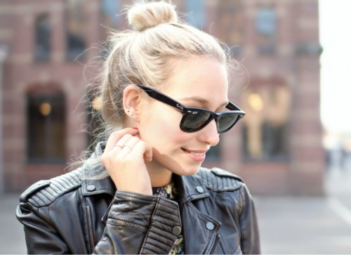 Original Ray-Ban Wayfarer look great in black with a cool leather jacket!