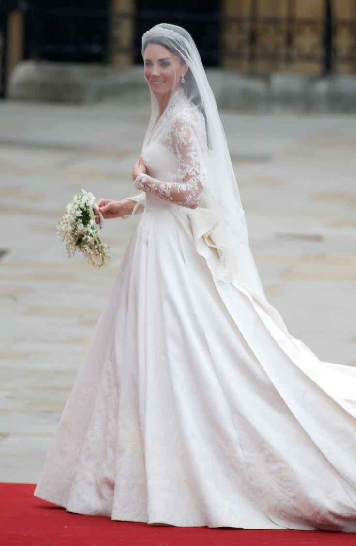 Catherine Middleton Duchess of Cambridge's Long Sleeved Wedding Dress