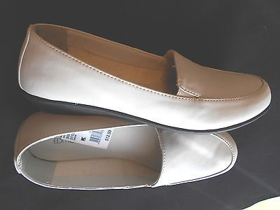 New with Tags Basic Editions Shoes Bone Loafer Size 9 W Elastic Inset