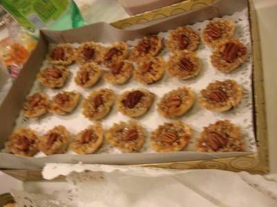 Pecan Phyllo Tarts | Baking Nom Nom | Pinterest