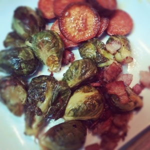 Roasted brussel sprouts & bacon with sweet potato slices