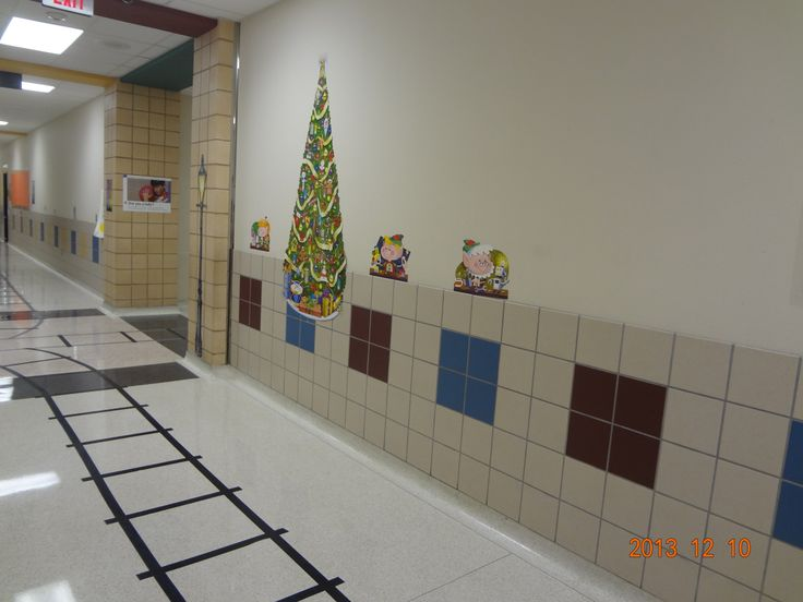 Polar Express tracks and wall decoration | School | Pinterest