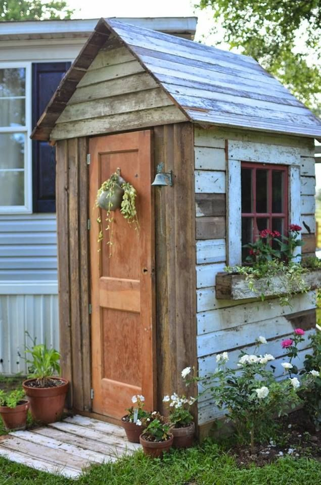 Tiny tool shed country gardens pinterest for Shed small garden