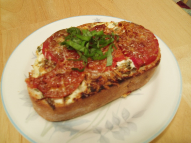 Broiled Heirloom Tomato and Goat Cheese Sandwiches | Tasty Kitchen: A ...