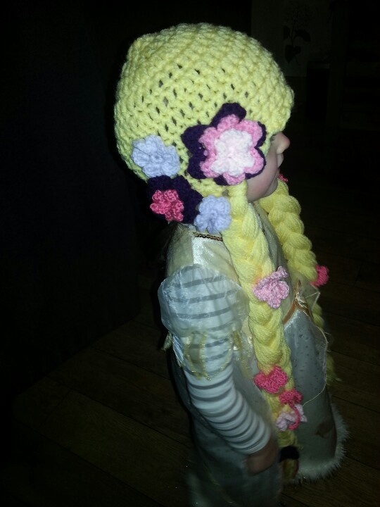 Crochet rapunzel hat....adorable Crocheting Pinterest