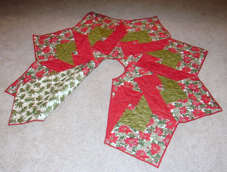 Quilted Christmas Tree Skirt Pinterest : Quilted Christmas tree skirt Quilts Pinterest