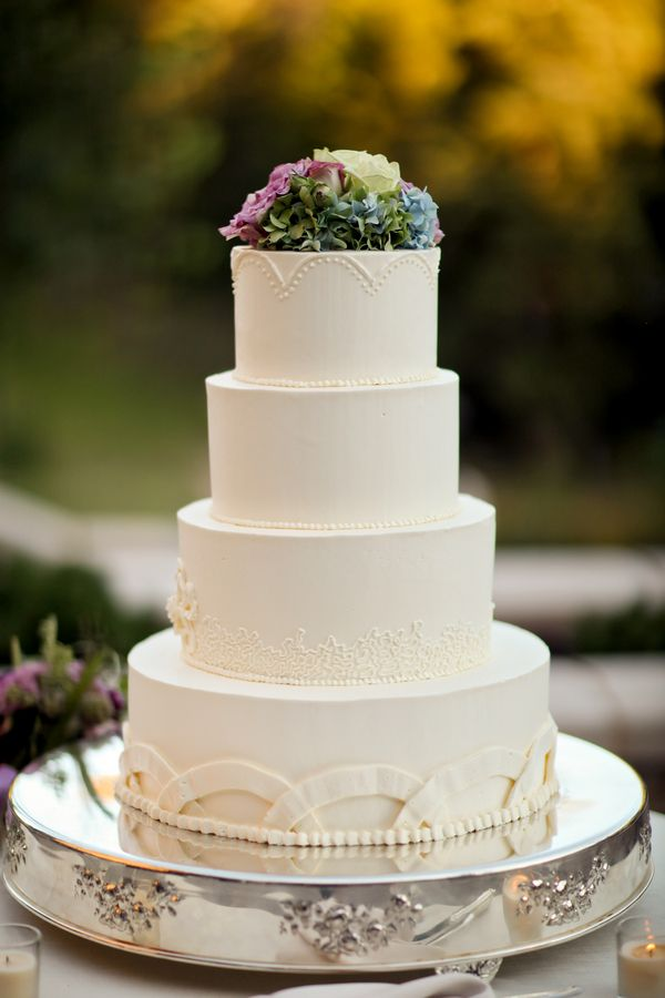 Simple Wedding Cake Design Images : Simple Wedding Cake With Hydrangeas