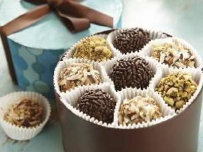 Truffles are an easy and decadent holiday treat. They look gorgeous in ...
