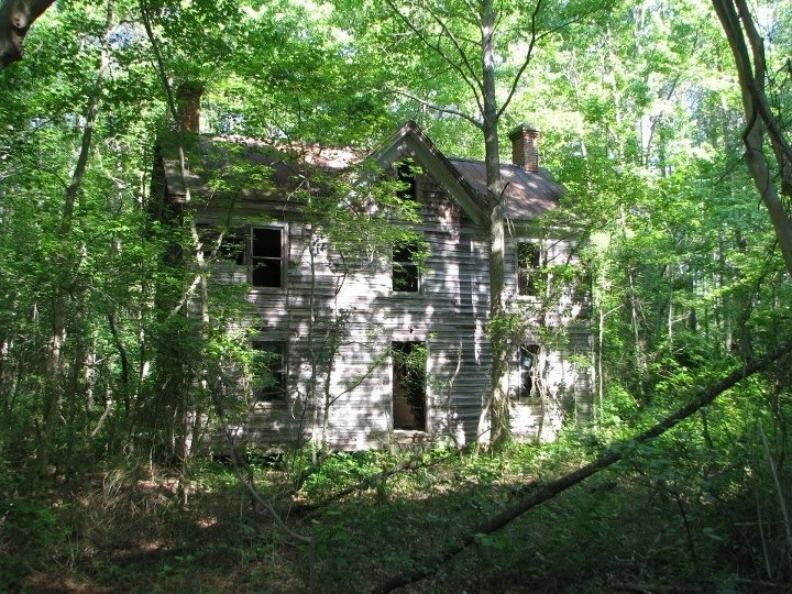 Old abandoned house in the woods spooky haunted abandoned pinterest - The house in the woods ...