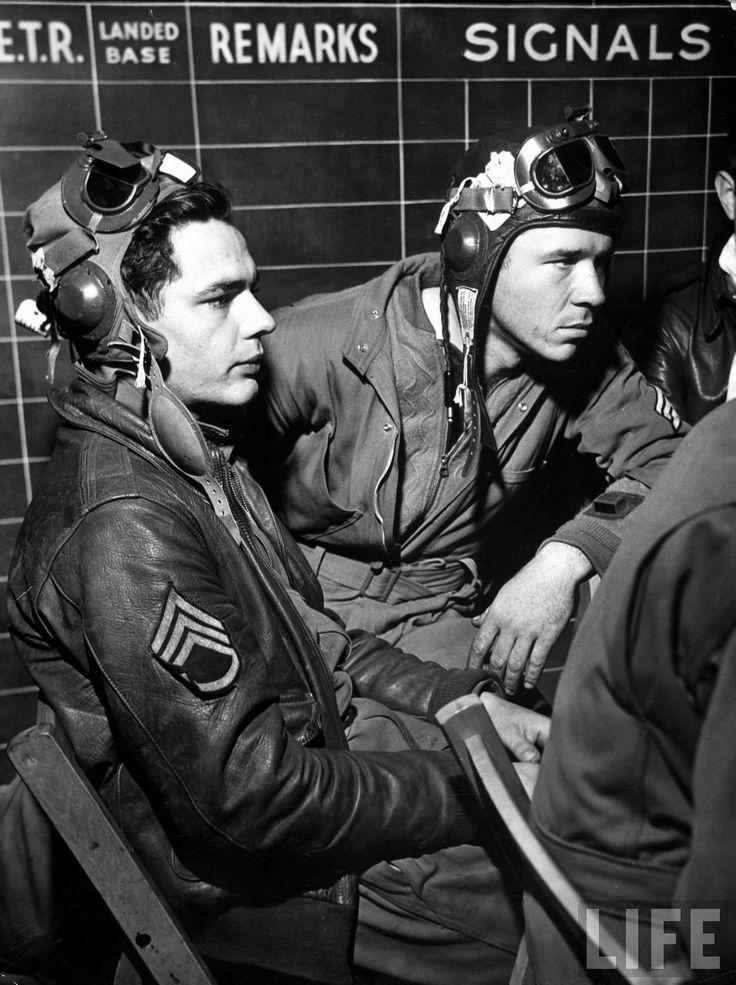 B-17 crew members