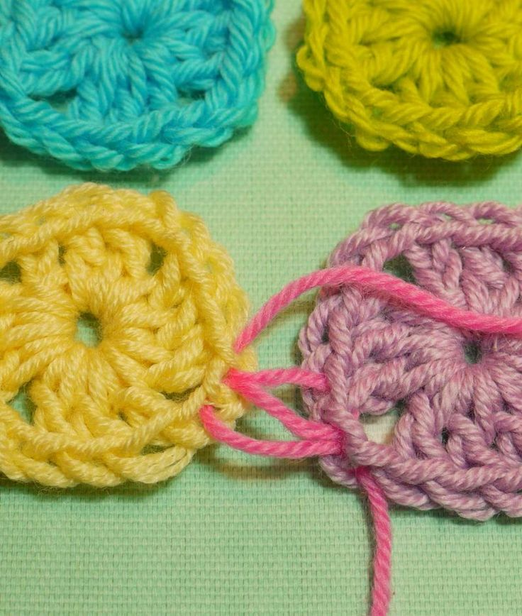 Crochet Invisible Stitch : Sewing up knitting/crochet with an invisible stitch tutorial