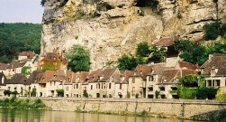 La Roque Gageac along the Dordogne River in southern France. A great area for cycling. Okay, I cheated, I took this picture from a canoe, you can do that along this pretty river as well.