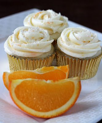 My orange obsession continues... Orange white chocolate cupcakes