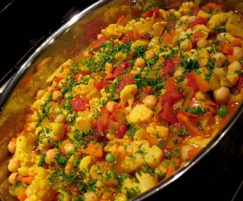 Hearty Chickpea and Vegetable Curry | Paleo | Pinterest