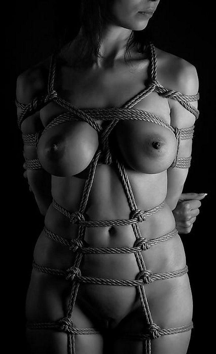 Голых Обнаженных Женщин Связанных Веревками
