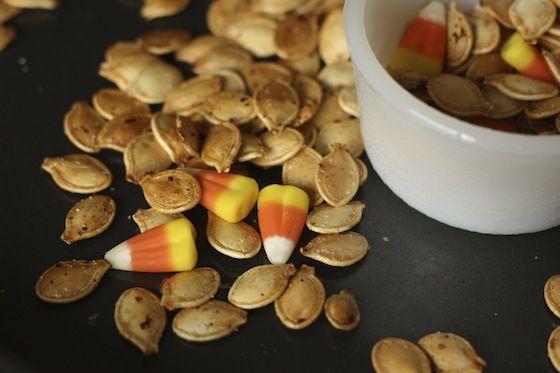 roasted pumpkin seeds - happy hooligans - how to toast pumpkin seeds