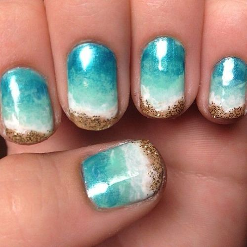 How pretty is this beach manicure?