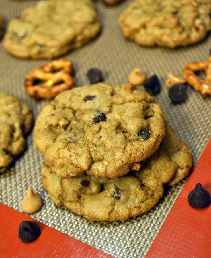 Crispy Chewy Pretzel, Peanut Butter, and Chocolate Chip Cookies | Rec ...