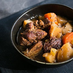 Slow-Cooker Steak And Guinness Pie Recipes — Dishmaps