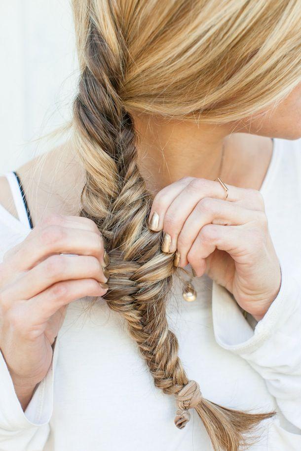 Loose fishtail braid hair pinterest for Fish braid hairstyle