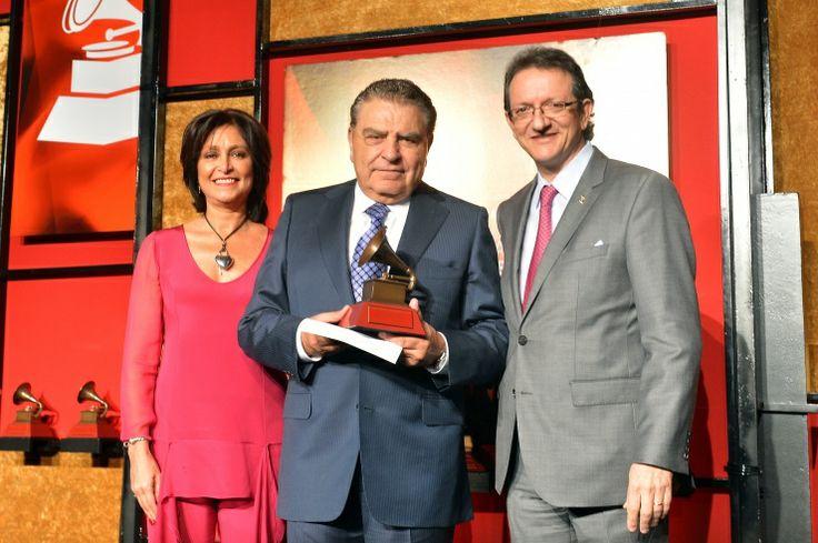 Daniela Romo, Don Francisco y Gabriel Abaroa