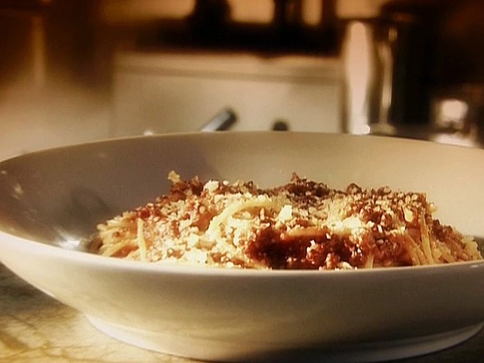 Pasta Bolognese Recipe : Food Network - add milk in the reducing ...