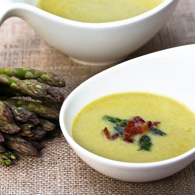 Light And Creamy Asparagus Soup via @spicyperspectiv #Soupapalooza
