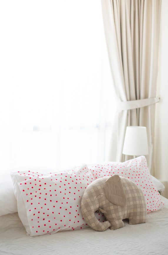 DIY polka dot pillowcases
