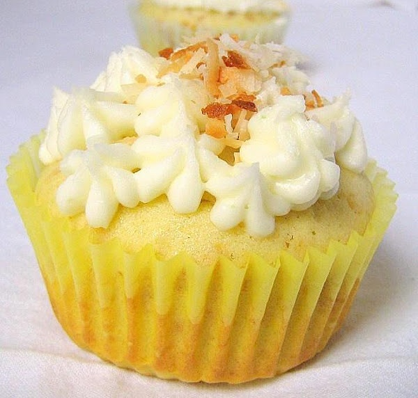 Coconut Lime Cupcakes | Cakes And Breads | Pinterest