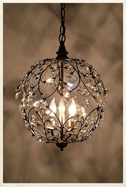 i really love chandeliers