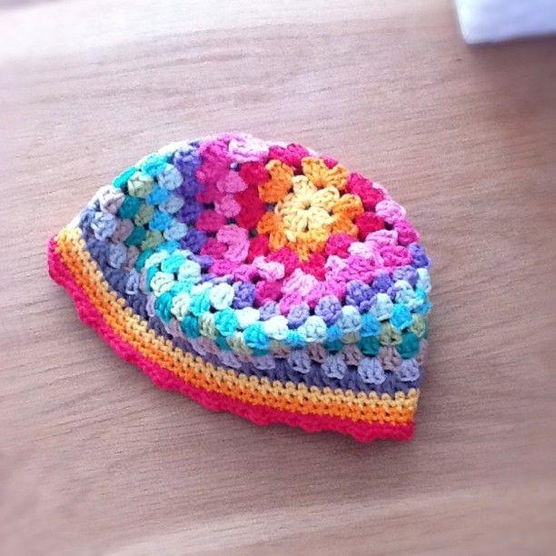 Free Crochet Pattern Granny Square Hat : Free Crochet Granny square hat pattern.