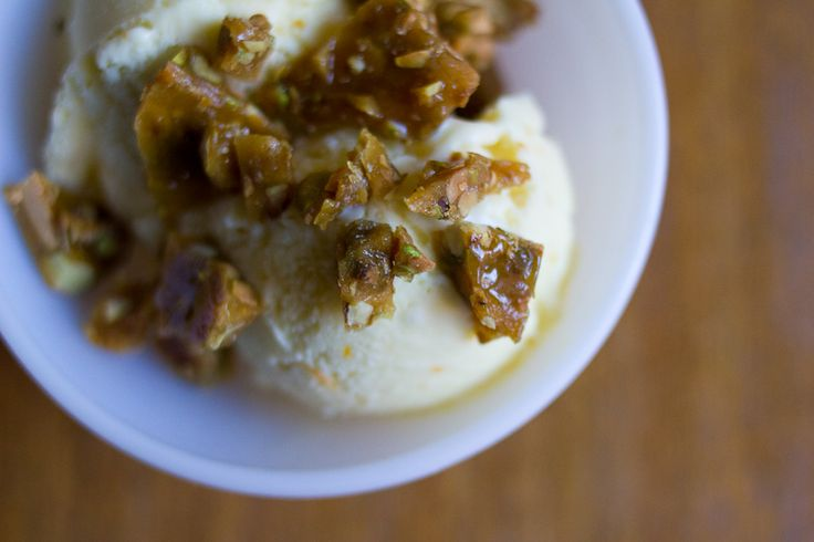 olive oil ice cream with pistachio brittle
